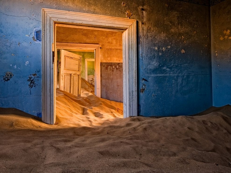 top-33-most-beautiful-abandoned-places-in-the-world-2